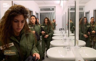 Elena Santoro con divisa militare