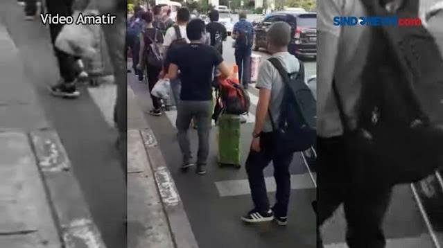 Puluhan WN China Tiba di Bandara Soetta di Tengah Larangan Mudik, Videonya Viral