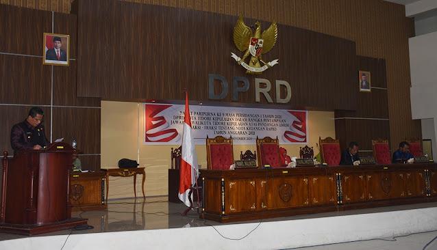 Ansar Daaly  Menyampaikan Jawaban ke Rapat Paripurna Ke 9 DPRD Tidore Kepulauan.lelemuku.com.jpg