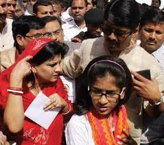 Raghuraj Pratap Singh Family Wife Son Daughter Father Mother Age Height Biography Profile Wedding Photos