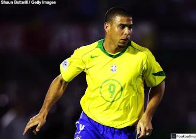 الظاهرة رونالدو أفضل لاعب في التاريخ