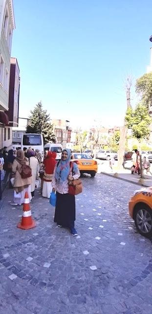 menikmati masakan cita rasa indonesia di warung ibu deden istanbul turki nurul sufitri travel lifestyle blogger kuliner city tour