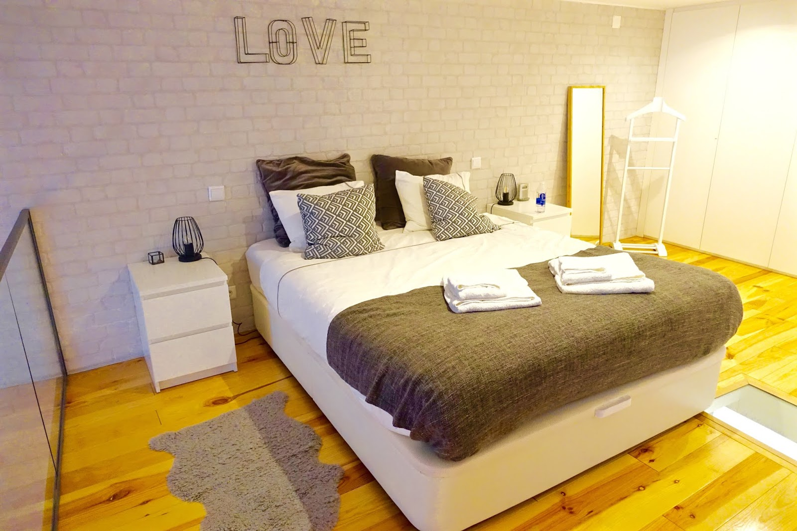 lisbon love apartments airbnb on bica elevator street