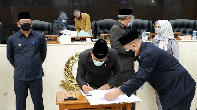 DPRD Jabar Gelar Rapat Paripurna Penandatanganan RKUA-PPAS dan Penutupan Masa Sidang