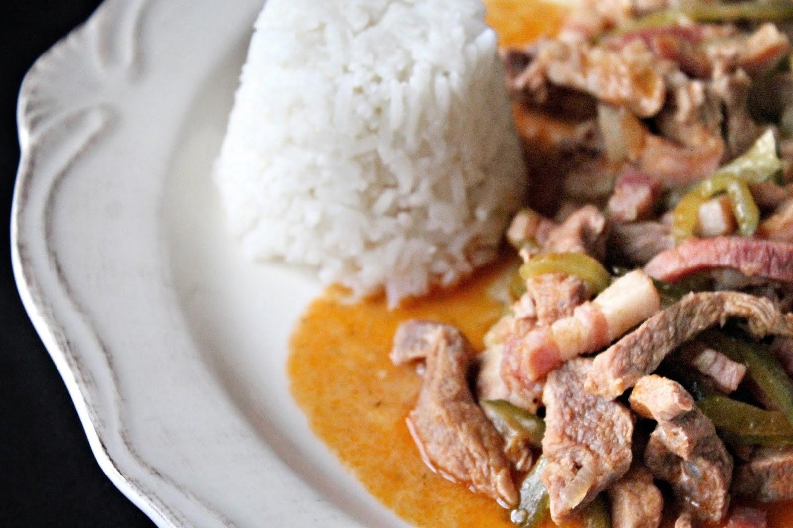 eltávolítja a zsírt a kihúzott sertéshúsból