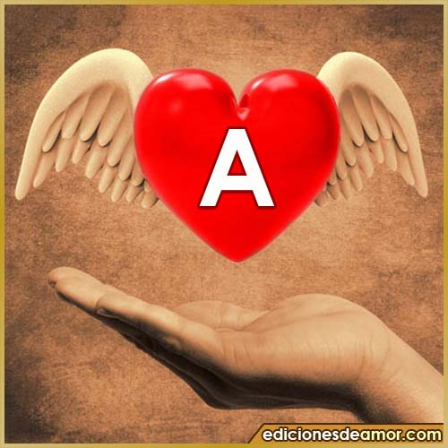 corazón con alas con letra A