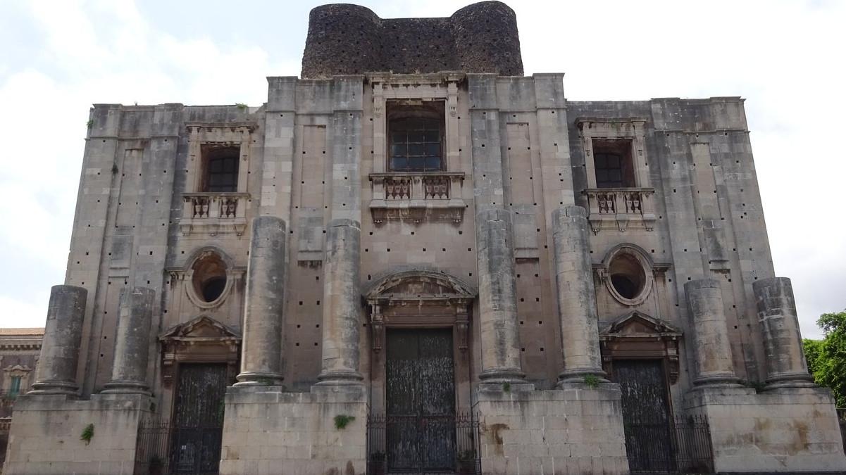 Restauro previsto per le porte della Chiesa di San Nicolò la Rena di Catania