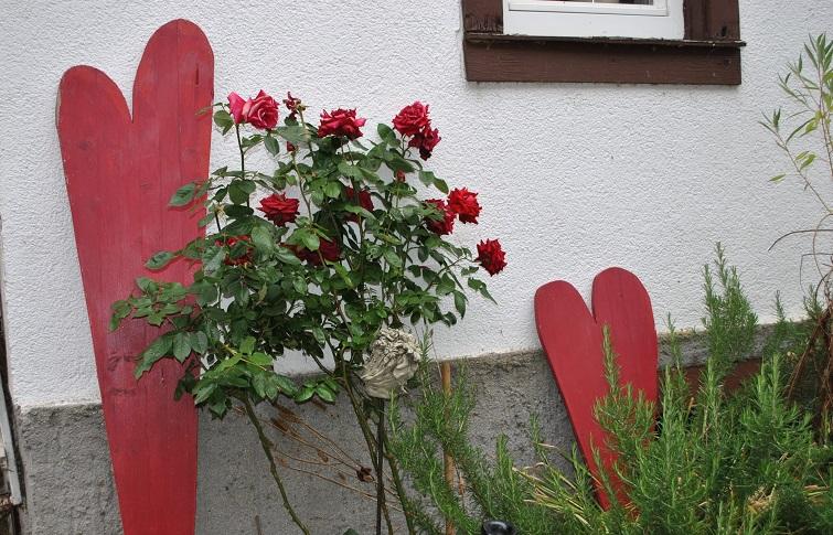 Deko für Hof und Garten - rotes Herz