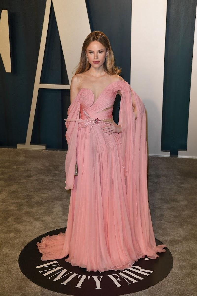 Halston Sage Clicks at 2020 Vanity Fair Oscar Party in Beverly Hills 9 Feb-2020