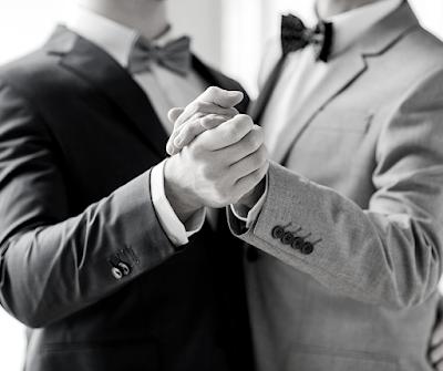 ⛔️ Un couple gay n'est pas un homme et une femme déguisée en homme. ⛔️