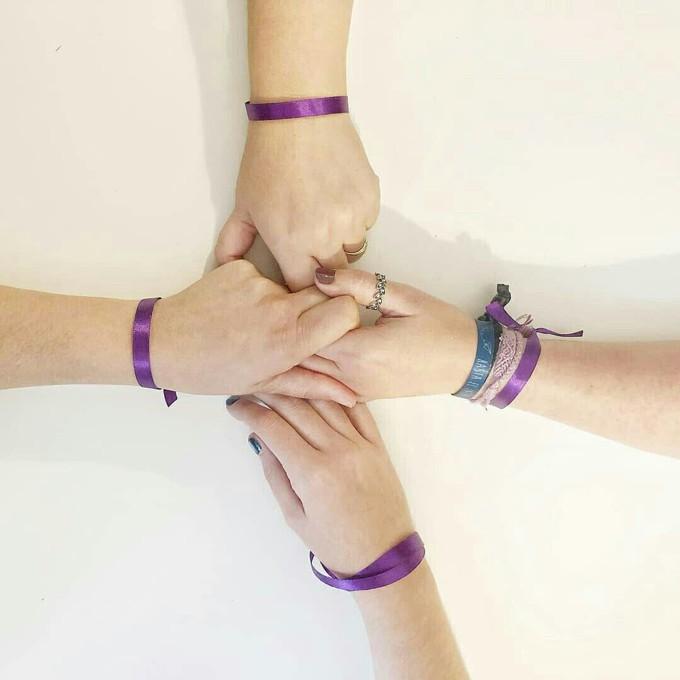 #DameLaMano campanha para ajudar mulheres que se sentem inseguras