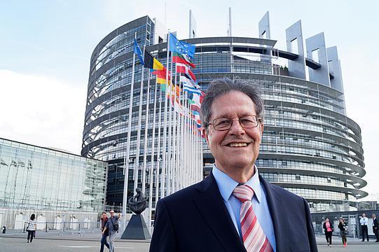 برلماني أوروبي يطالب المفوضية الأوروبية الحرص على تحديد الإثباتات التفضيلية للمنتجات المستوردة من الصحراء الغربية.