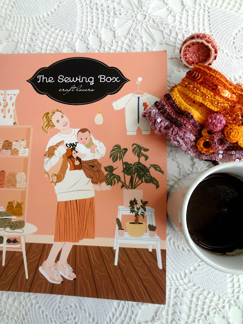 The Sewing Box Magazine in Spanish