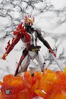 S.H. Figuarts Kamen Rider Saber Brave Dragon 34