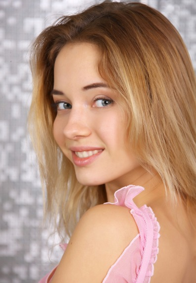 beautiful teen girl pic, lovely teen girl photo