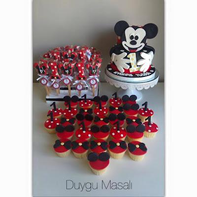 mickey mouse temalı pasta