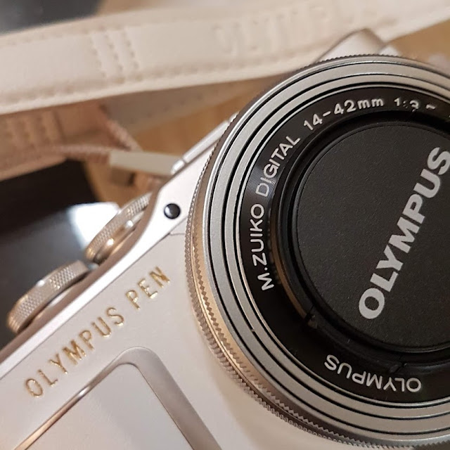 Olympus pen e-pl9 järjestelmäkamera blogikamera bloggaja valokuvaus