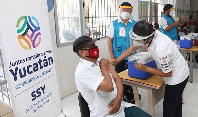 Iniciará la vacunación de adultos mayores en Mérida la semana de Pascua