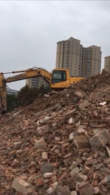 江苏如东县逼迁新花样,以建筑垃圾围困拆迁户