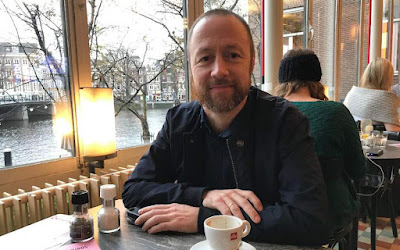 director σκηνοθέτης Χόβαρντ Μπούστνες Håvard Bustnes «Golden Dawn Girls»
