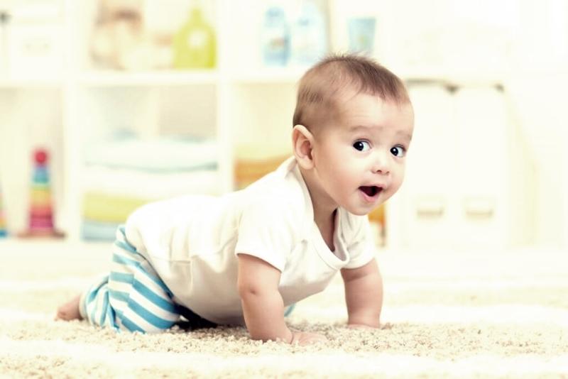 Aylara göre bebek gelişimi