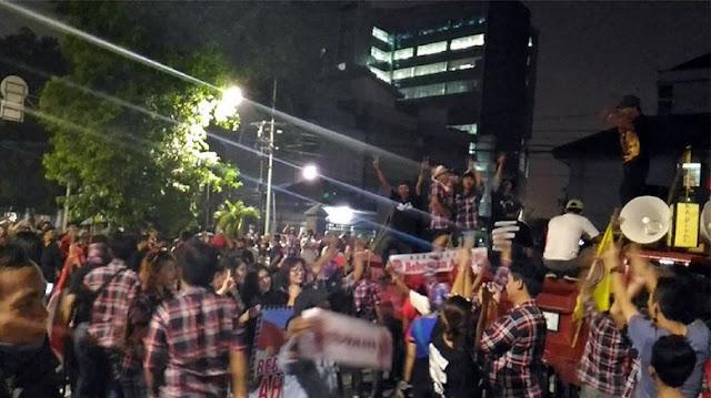 Pendukung Ahok Demo Ke PT DKI, Kapolres: Mereka Salah Sasaran