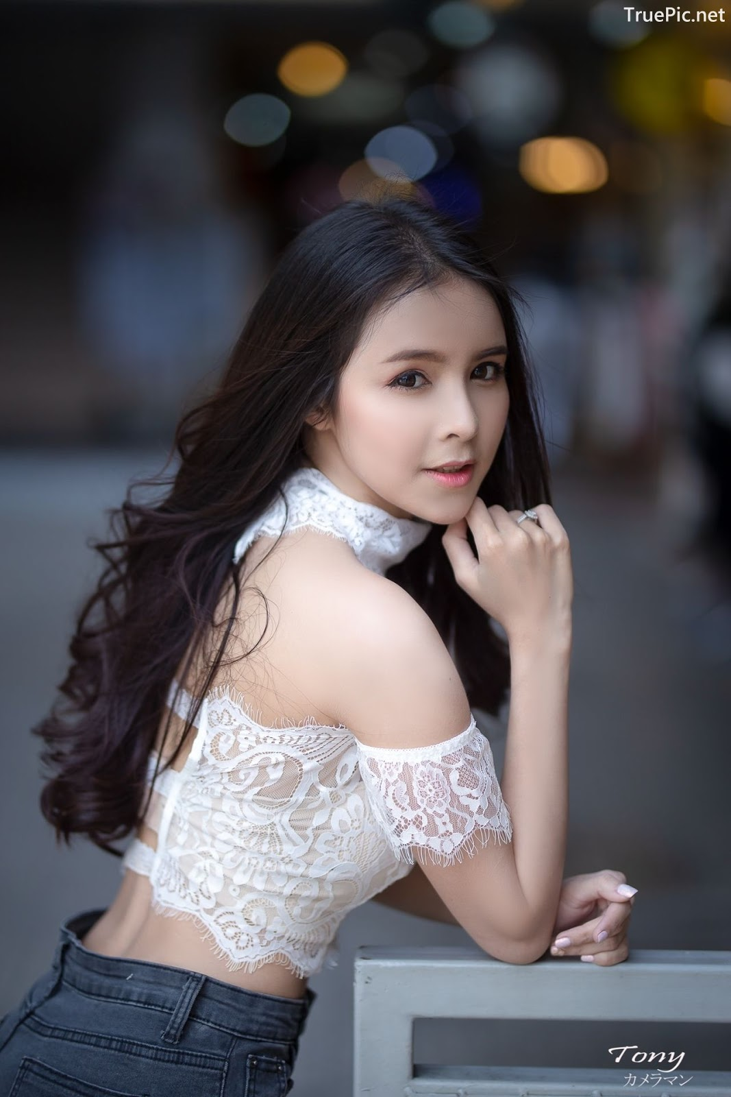 Image-Thailand-Beautiful-Model-Soithip-Palwongpaisal-Transparent-Lace-Crop-Top-And-Jean-TruePic.net- Picture-3