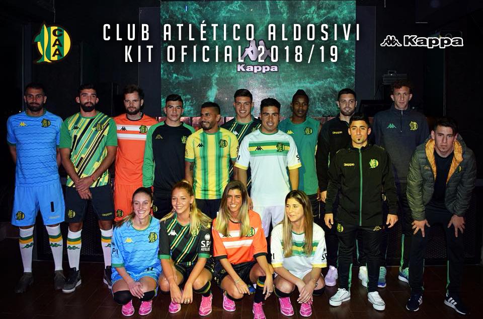 ... que actualmente usan los otros equipos de la Superliga que también  viste la marca italiana 877380b3301b2