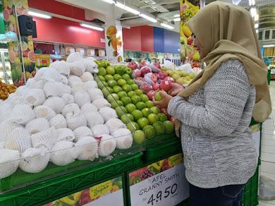 beli buah-buahan