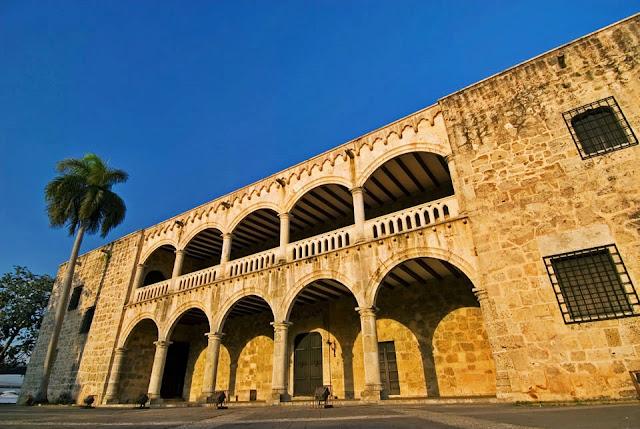 el Palacio Nacional, la Piazza de la Culture, un amplio espacio verde donde hay interesantes museos