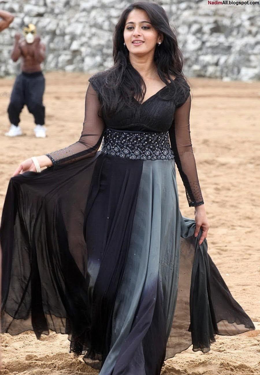 anushka shetty pic top Dress