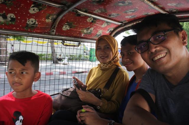 Mengunjungi Wat Arun
