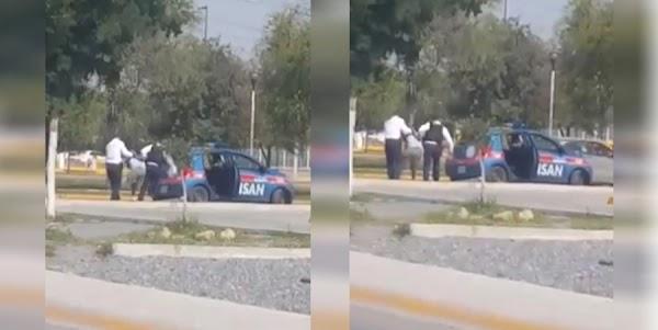 Graban a policías subiendo a discapacitado a la patrulla (VIDEO)