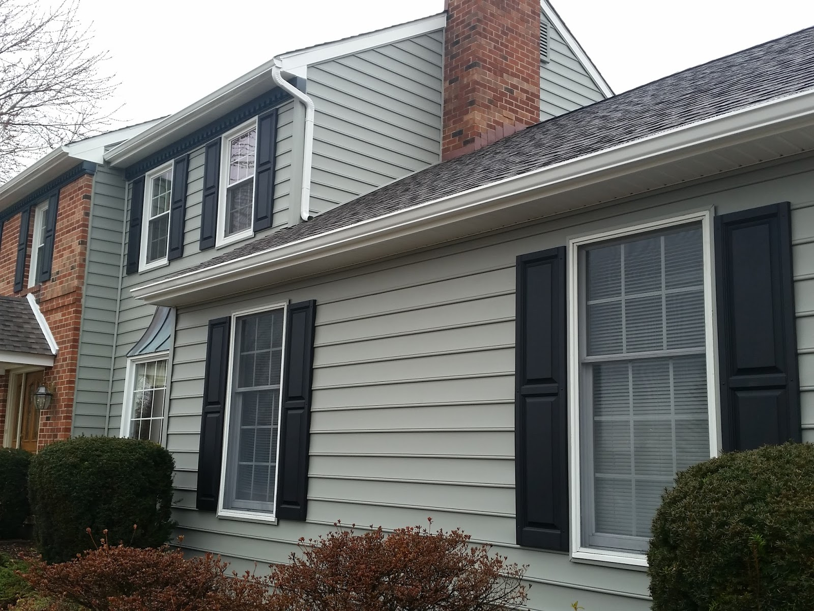 Jp construction services different mastic siding colors for Color of siding for houses