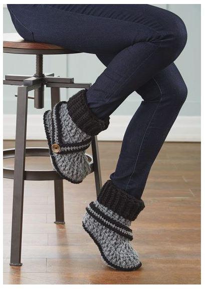 Ravelry: Zoe the Cat Slippers pattern by Brenda K. B. Anderson   579x409
