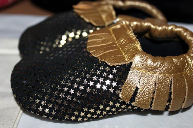 chaussons cuir doré