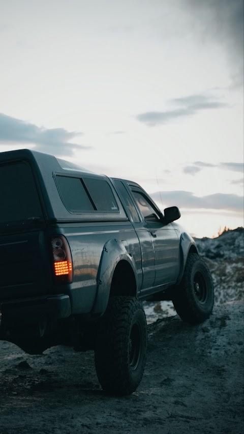 Xe SUV Offroad Vượt Địa Hình