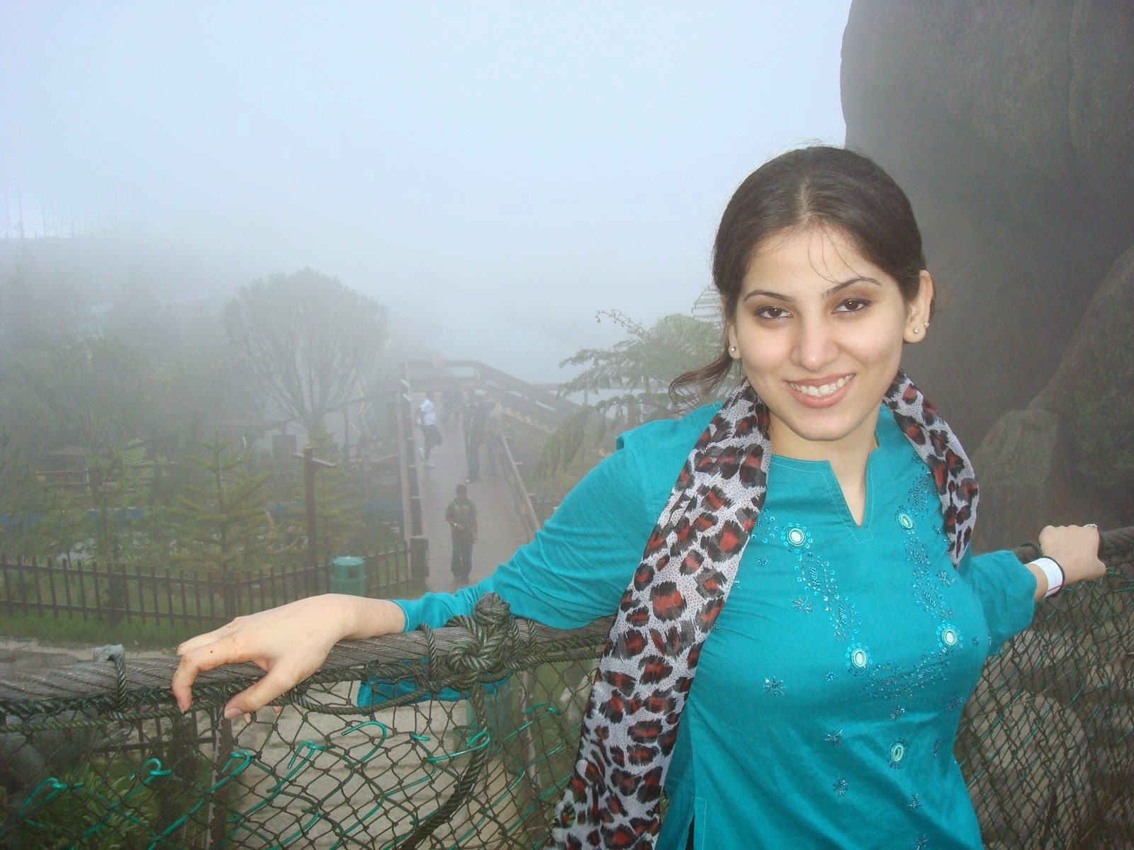 Desi Indian Girls On Himachal Pradesh Tourist Trip Hd -9121