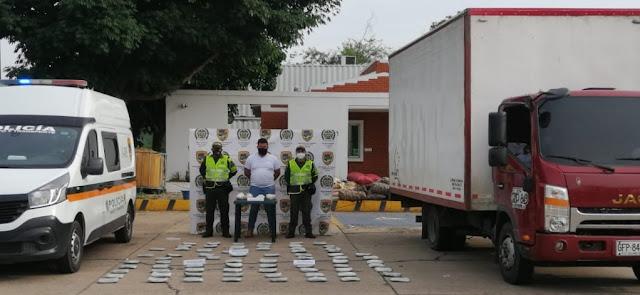 CAYÖ CON 75 KILOS DE MARIHUANA Y CUATRO DE BASE DE COCA
