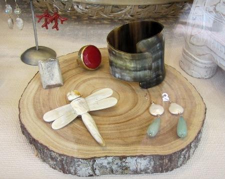 Bisutería, libélula, brazalete, anillos, pendientes