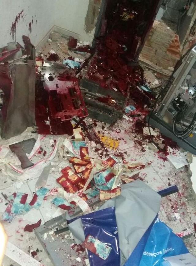 Pela segunda vez no ano, bandidos explodem caixa de banco em Jaçanã, RN