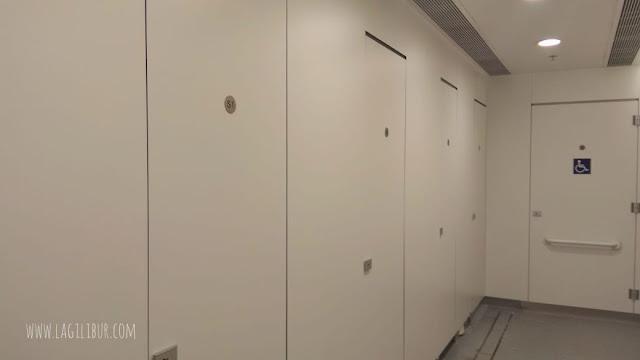 Bilik Shower Room Bandara Hongkong