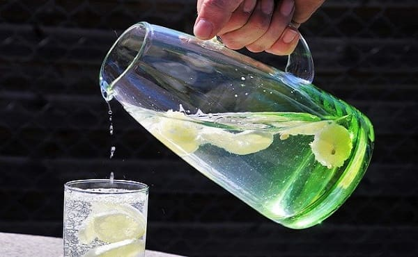 Manfaat Minum Air Lemon