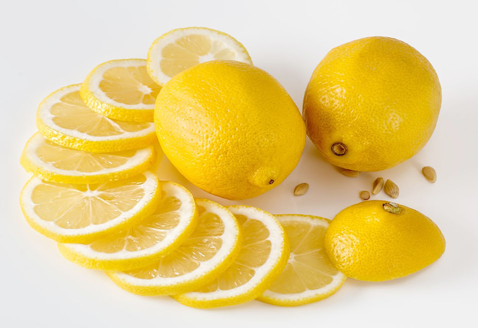 16 Amazing Health Benefits of Lemon