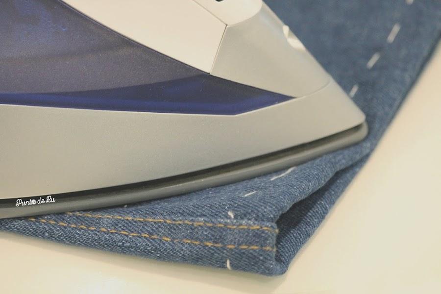 8 trucos para coser el bajo de un pantalón vaquero - Planchar antes de coser