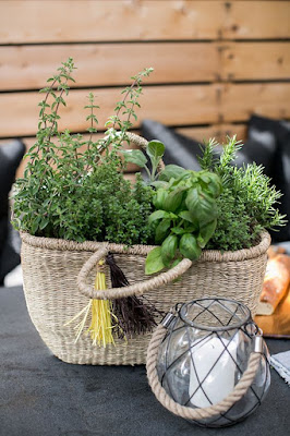 ilaria fatone - slow-living outdoor - aromatic herbs basket