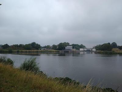 Sluis op de Schelde naar het Kanaal Van Bossuyt