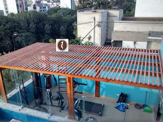 Techo sol y sombra de madera en Lima