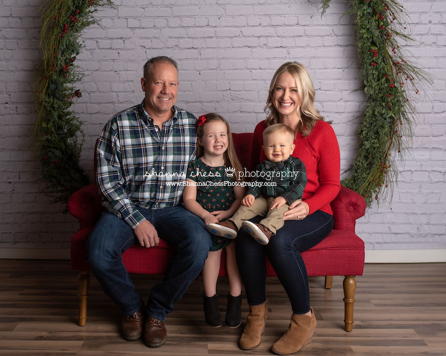 Christmas family photographer Eugene Oregon