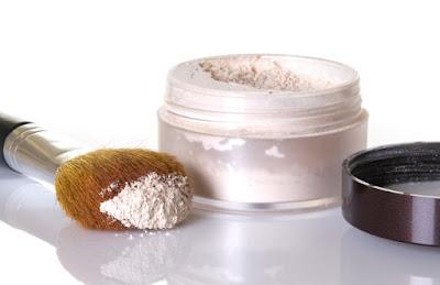 Comment faire une poudre translucide naturelle pour le visage
